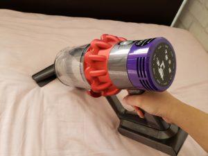 布団乾燥機を使った後は、掃除機をかけよう!