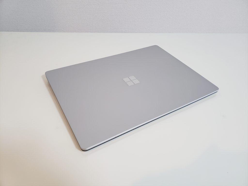 Surface Laptop3 の閉じている状態、外観