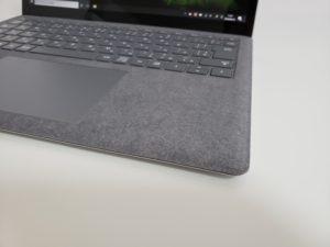 Surface Laptop 3 のAlcantara(アルカンターラ)部分