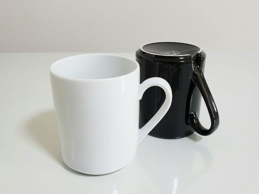 ホワイトとブラックのマグカップのドライジー